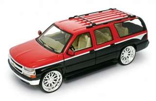 2001 Chevrolet Suburban Diecast Model   Welly 124 b/r