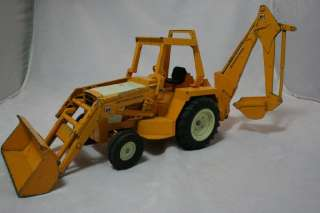 Ertl International Harvester Loader & Backhoe Tractor