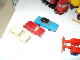 HUGE LOT HO scale semi trucks, reefers, trucks, cars ectHerpa