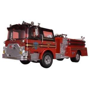 Revell   1/32 Snap Fire Truck (Plastic Model Vehicle) Toys & Games