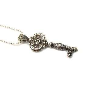 The Key to Success Ornate Sparkling Pendant Jewelry